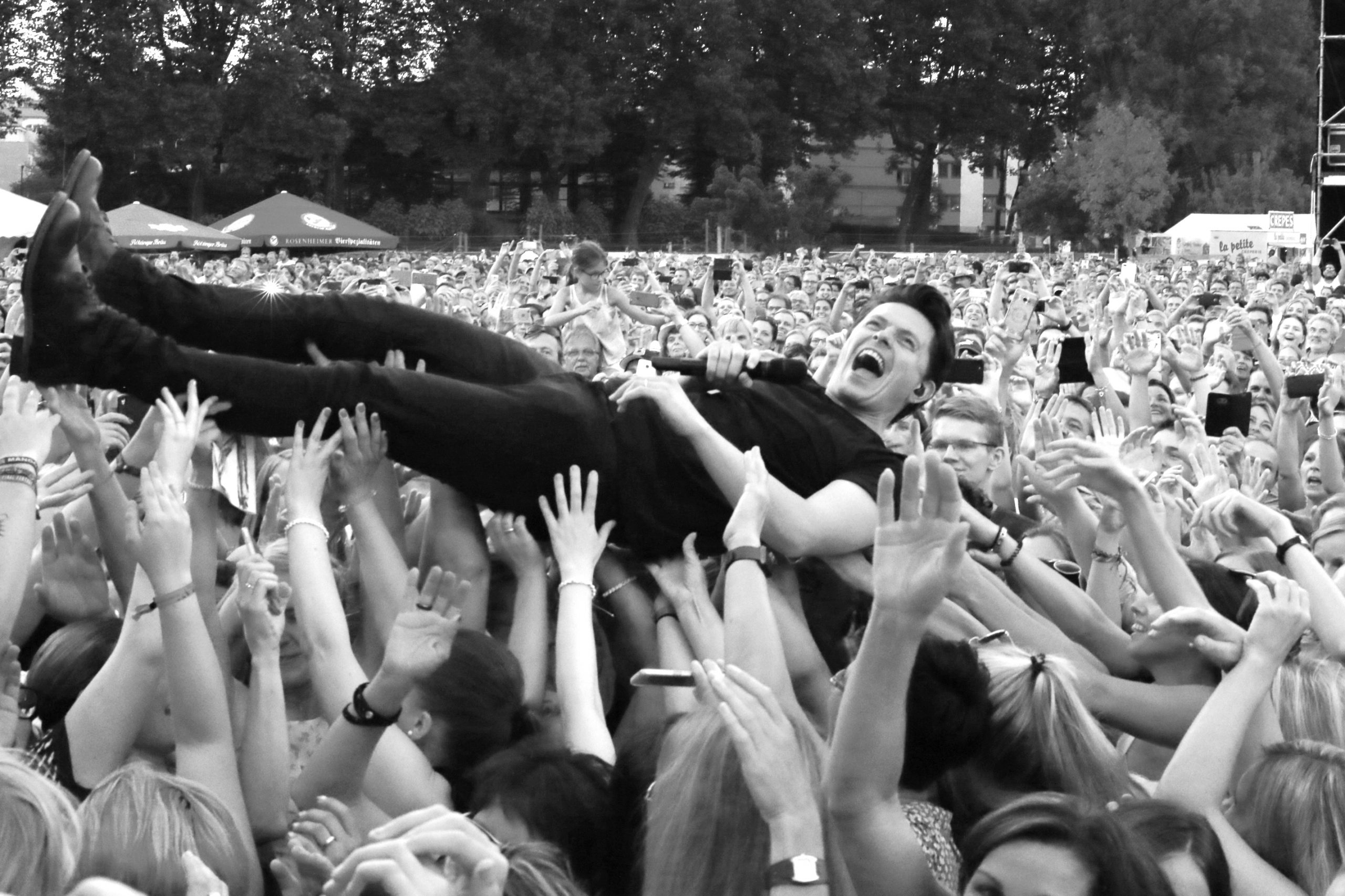 Foto Stagedive Kelly