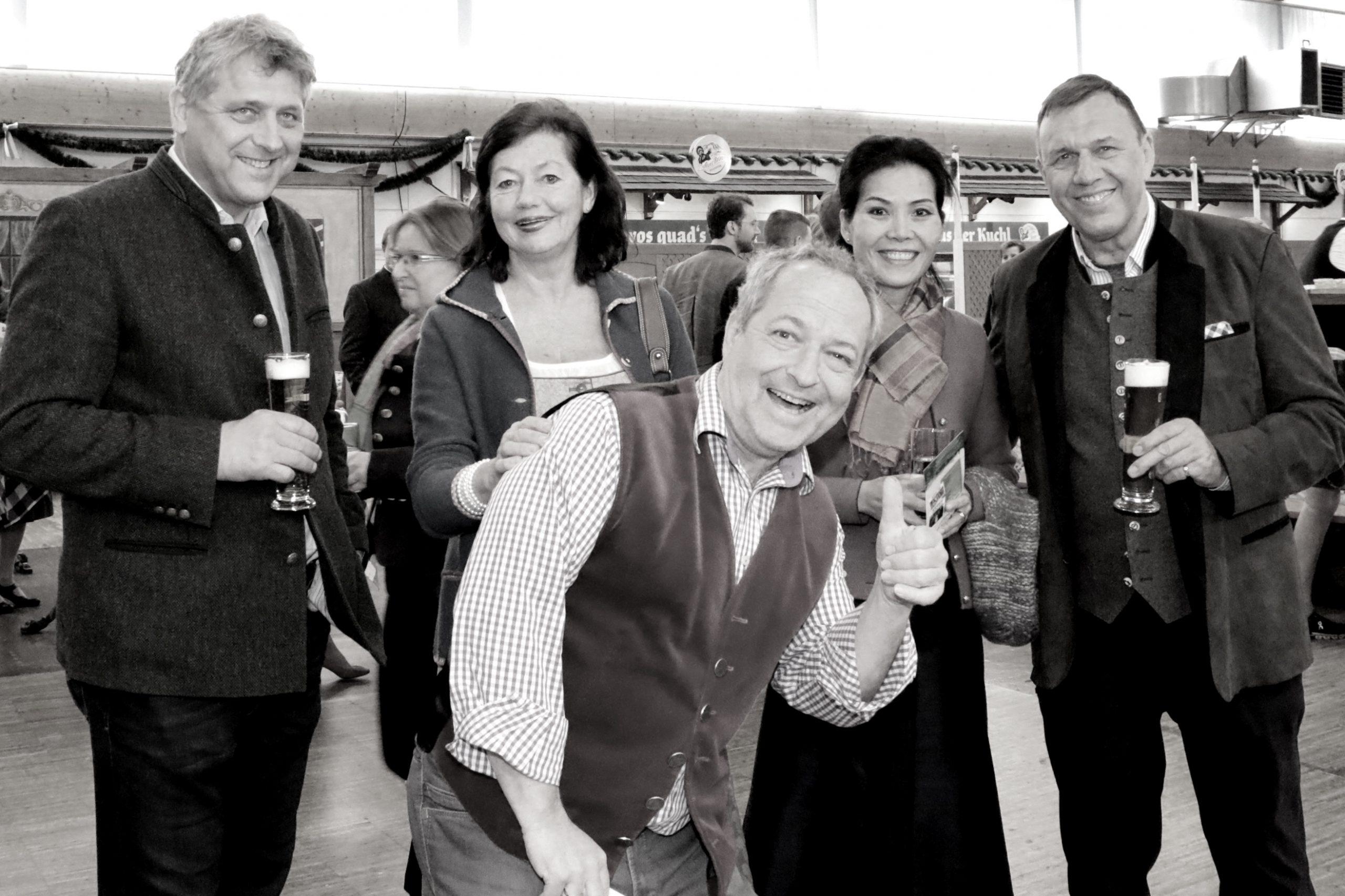 Gäste beim Starkbierfest Rosenheim